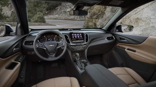 2023 Chevy Equinox interior