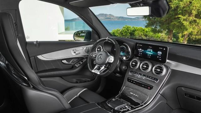 2023 Mercedes-Benz GLC interior