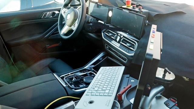 2023 BMW X5 interior