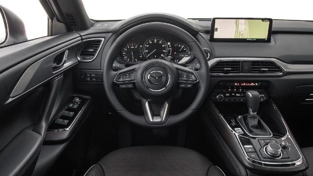 2023 Mazda CX-7 interior