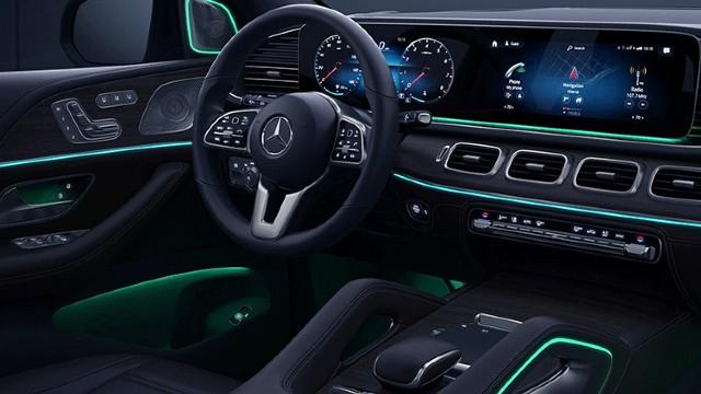 2023 Mercedes-Benz GLE interior