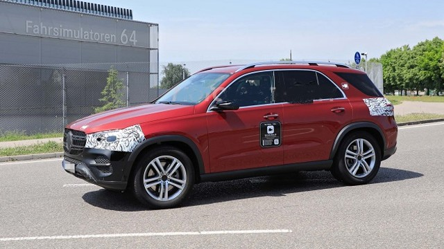 2023 Mercedes-Benz GLE spy shots