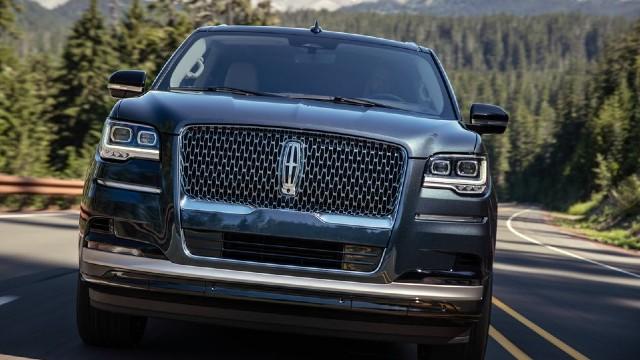 2023 Lincoln Navigator grille